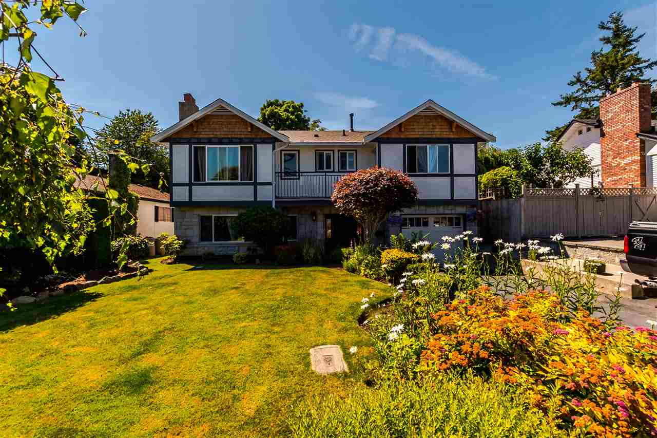 Main Photo: 15828 PROSPECT Crescent: White Rock House for sale (South Surrey White Rock)  : MLS® # R2184591