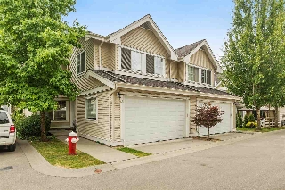 "Main Photo: 62 17097 64TH Avenue in Surrey: Cloverdale BC Townhouse for sale in ""KENTUCKY"" (Cloverdale)  : MLS(r) # R2188751"
