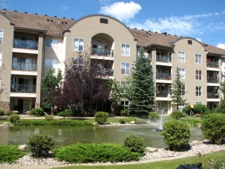 Main Photo:  in Edmonton: Zone 22 Condo for sale : MLS® # E4075304