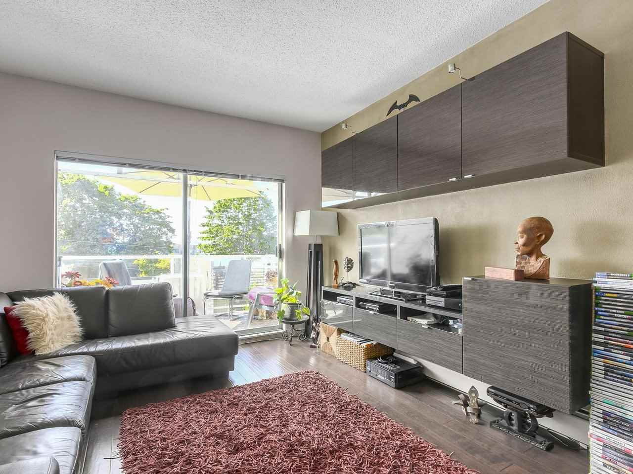 "Photo 6: 304 827 W 16TH Street in North Vancouver: Hamilton Condo for sale in ""CEDARCREST"" : MLS® # R2192474"