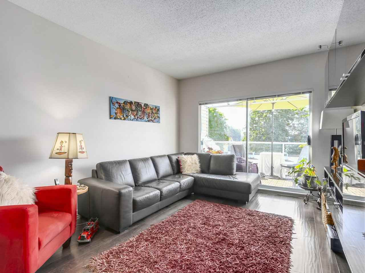 "Photo 2: 304 827 W 16TH Street in North Vancouver: Hamilton Condo for sale in ""CEDARCREST"" : MLS® # R2192474"