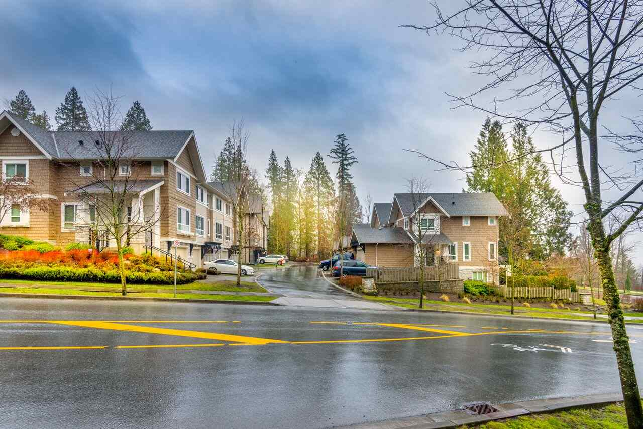 Main Photo: 76 1305 SOBALL Street in Coquitlam: Burke Mountain Townhouse for sale : MLS®# R2230349
