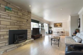 Main Photo: 917 CORNELL Avenue in Coquitlam: Coquitlam West House for sale : MLS®# R2297262