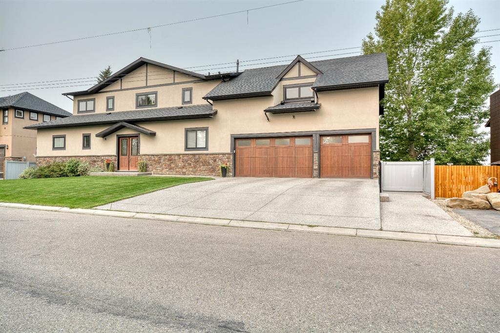 FEATURED LISTING: 865 East Chestermere Drive Chestermere