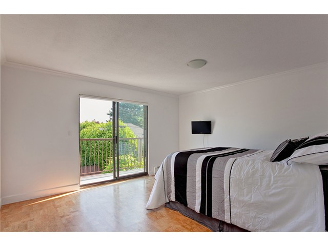 Photo 5: 2726 W 17TH Avenue in Vancouver: Arbutus House for sale (Vancouver West)  : MLS® # V902269