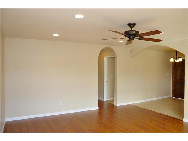 Photo 3: SAN DIEGO House for sale : 4 bedrooms : 3626 Fireway Drive