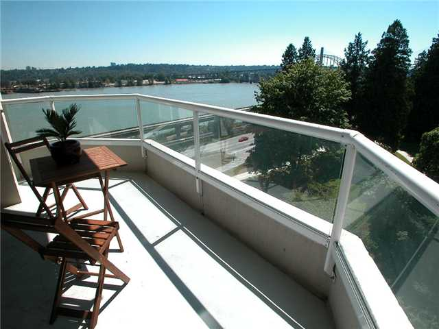 "Photo 2: 806 69 JAMIESON Court in New Westminster: Fraserview NW Condo for sale in ""PALACE QUAY"" : MLS(r) # V1033034"