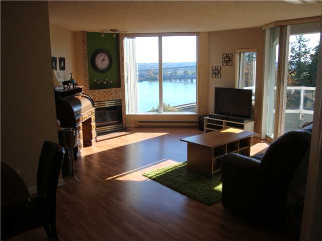 "Photo 3: 806 69 JAMIESON Court in New Westminster: Fraserview NW Condo for sale in ""PALACE QUAY"" : MLS(r) # V1033034"