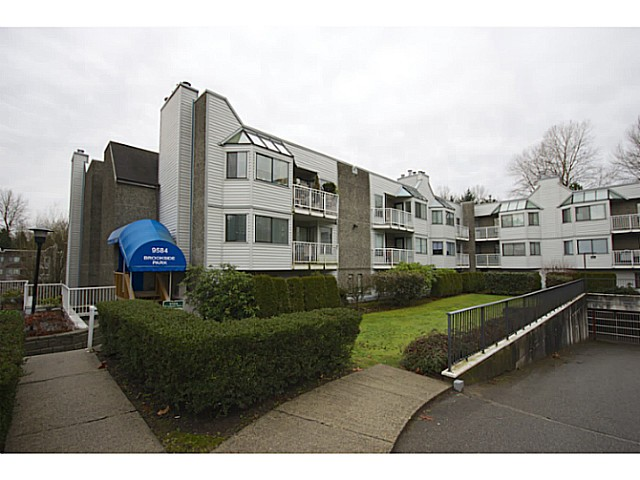 "Main Photo: 301 9584 MANCHESTER Drive in Burnaby: Cariboo Condo for sale in ""Brookside Park"" (Burnaby North)  : MLS® # V1040483"