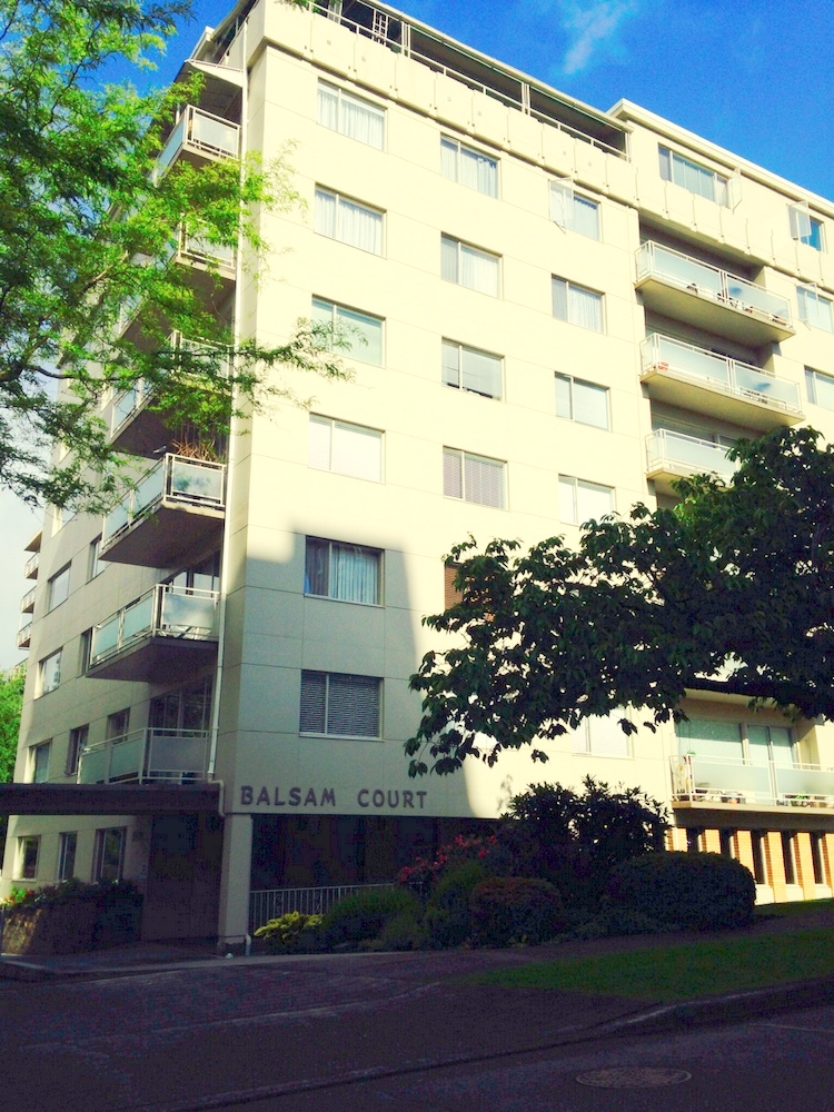 Main Photo: 201 2409 W 43RD Avenue in Vancouver: Kerrisdale Condo for sale (Vancouver West)  : MLS(r) # V1065047