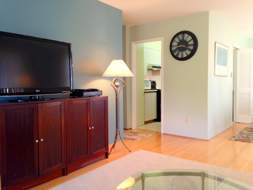 Photo 4: 201 2409 W 43RD Avenue in Vancouver: Kerrisdale Condo for sale (Vancouver West)  : MLS(r) # V1065047