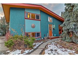 Main Photo: 327 40 Street SW in Calgary: Wildwood House for sale : MLS(r) # C3644617