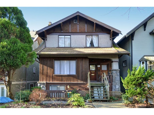 "Main Photo: 1335 - 1337 WALNUT Street in Vancouver: Kitsilano House for sale in ""Kits Point"" (Vancouver West)  : MLS® # V1103862"