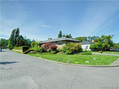 Photo 20: 3340 Woodburn Avenue in VICTORIA: OB Henderson Single Family Detached for sale (Oak Bay)  : MLS® # 364361