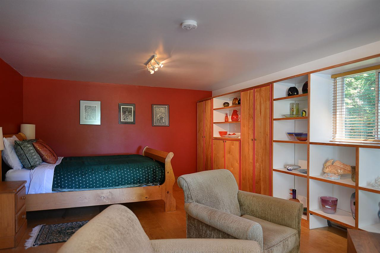 Photo 12: Photos: 1881 GRANDVIEW Road in Gibsons: Gibsons & Area House for sale (Sunshine Coast)  : MLS® # R2101665