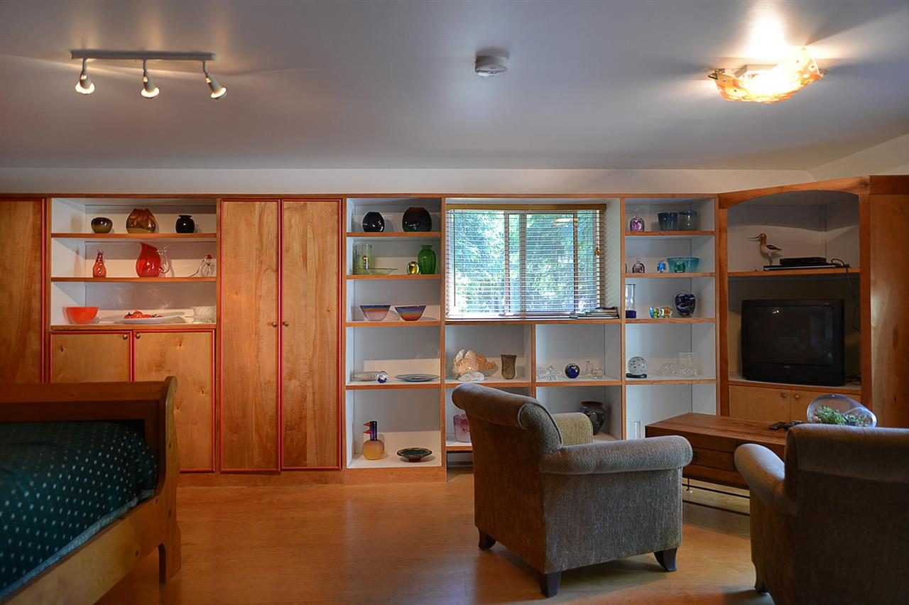 Photo 11: Photos: 1881 GRANDVIEW Road in Gibsons: Gibsons & Area House for sale (Sunshine Coast)  : MLS® # R2101665