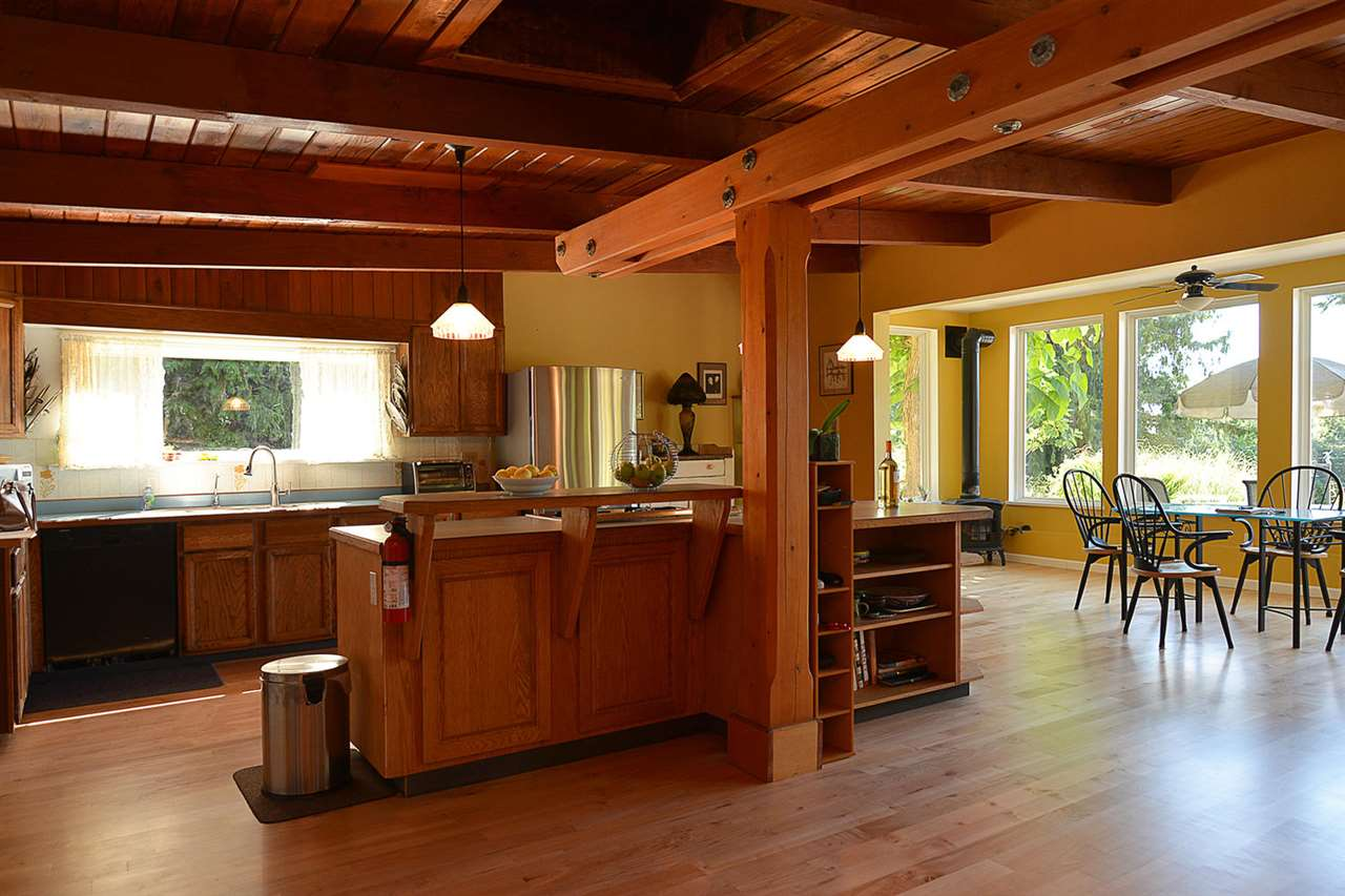 Photo 6: Photos: 1881 GRANDVIEW Road in Gibsons: Gibsons & Area House for sale (Sunshine Coast)  : MLS® # R2101665