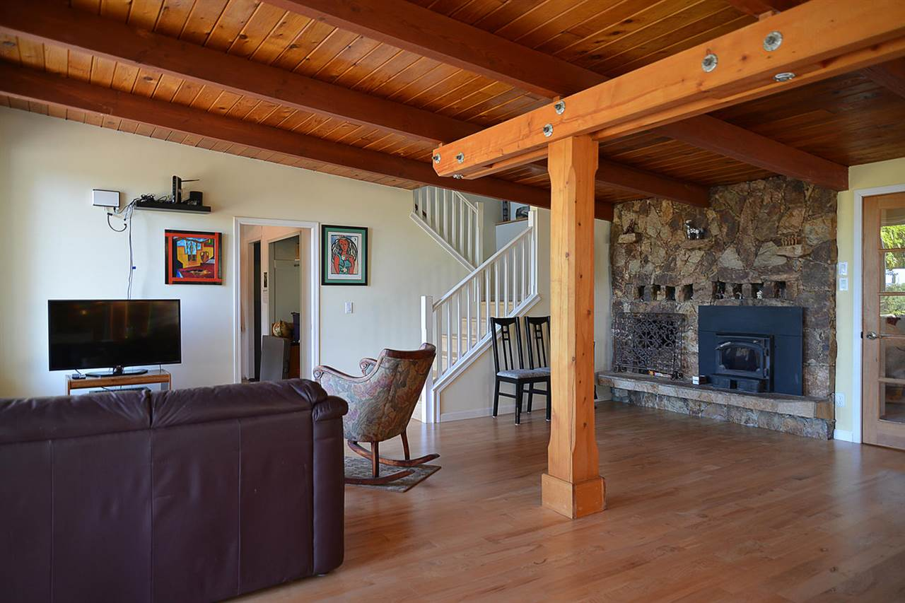 Photo 10: Photos: 1881 GRANDVIEW Road in Gibsons: Gibsons & Area House for sale (Sunshine Coast)  : MLS® # R2101665