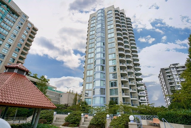 "Main Photo: 1603 739 PRINCESS Street in New Westminster: Uptown NW Condo for sale in ""BERKLEY PLACE"" : MLS® # R2104149"
