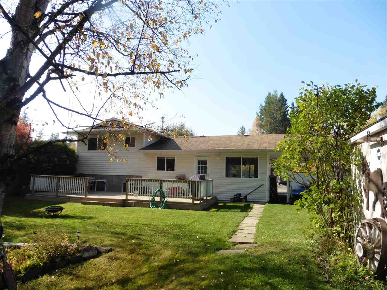 "Photo 2: Photos: 7880 LOYOLA Crescent in Prince George: Lower College House for sale in ""LOWER COLLEGE HEIGHTS"" (PG City South (Zone 74))  : MLS®# R2112481"