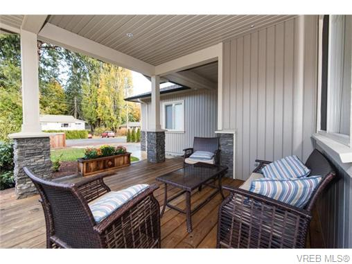 Main Photo: 2566 Selwyn Road in VICTORIA: La Mill Hill Strata Duplex Unit for sale (Langford)  : MLS® # 371342