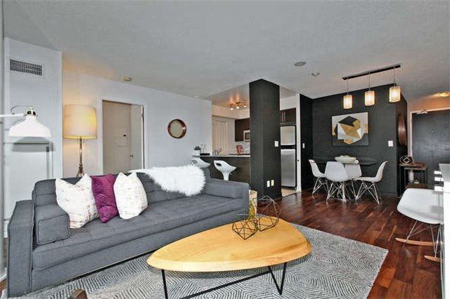 Main Photo: 907 231 Fort York Boulevard in Toronto: Niagara Condo for sale (Toronto C01)  : MLS®# C3672461