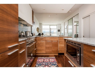 "Main Photo: 403 4375 W 10TH Avenue in Vancouver: Point Grey Condo for sale in ""VARSITY"" (Vancouver West)  : MLS(r) # R2140369"