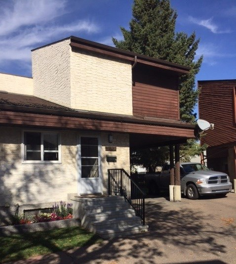Main Photo: 5628 19A Avenue in Edmonton: Zone 29 House Half Duplex for sale : MLS® # E4060041