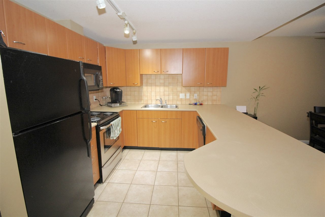"Photo 2: A235 2099 LOUGHEED Highway in Port Coquitlam: Glenwood PQ Condo for sale in ""SHAUGHNESSY SQUARE"" : MLS(r) # R2173116"
