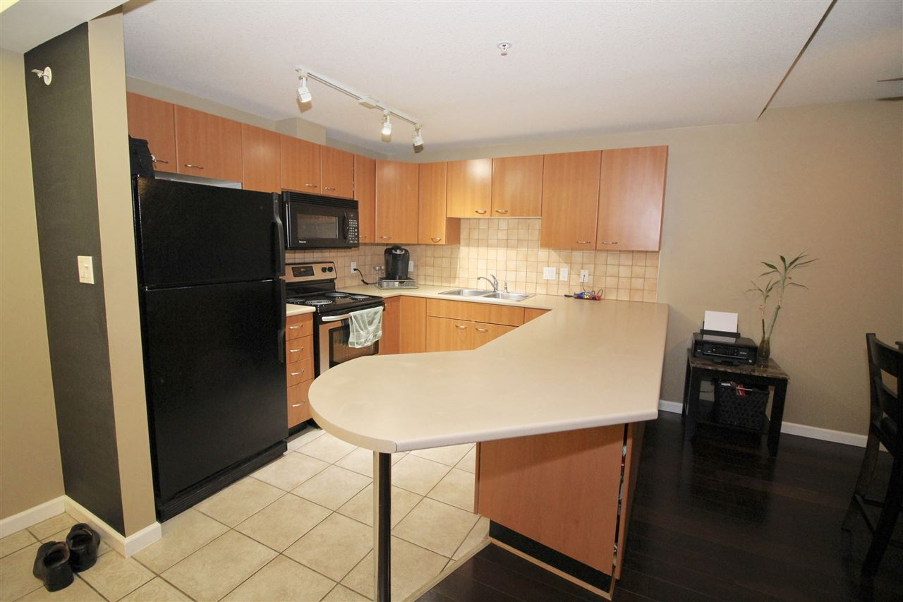 "Photo 4: A235 2099 LOUGHEED Highway in Port Coquitlam: Glenwood PQ Condo for sale in ""SHAUGHNESSY SQUARE"" : MLS® # R2173116"