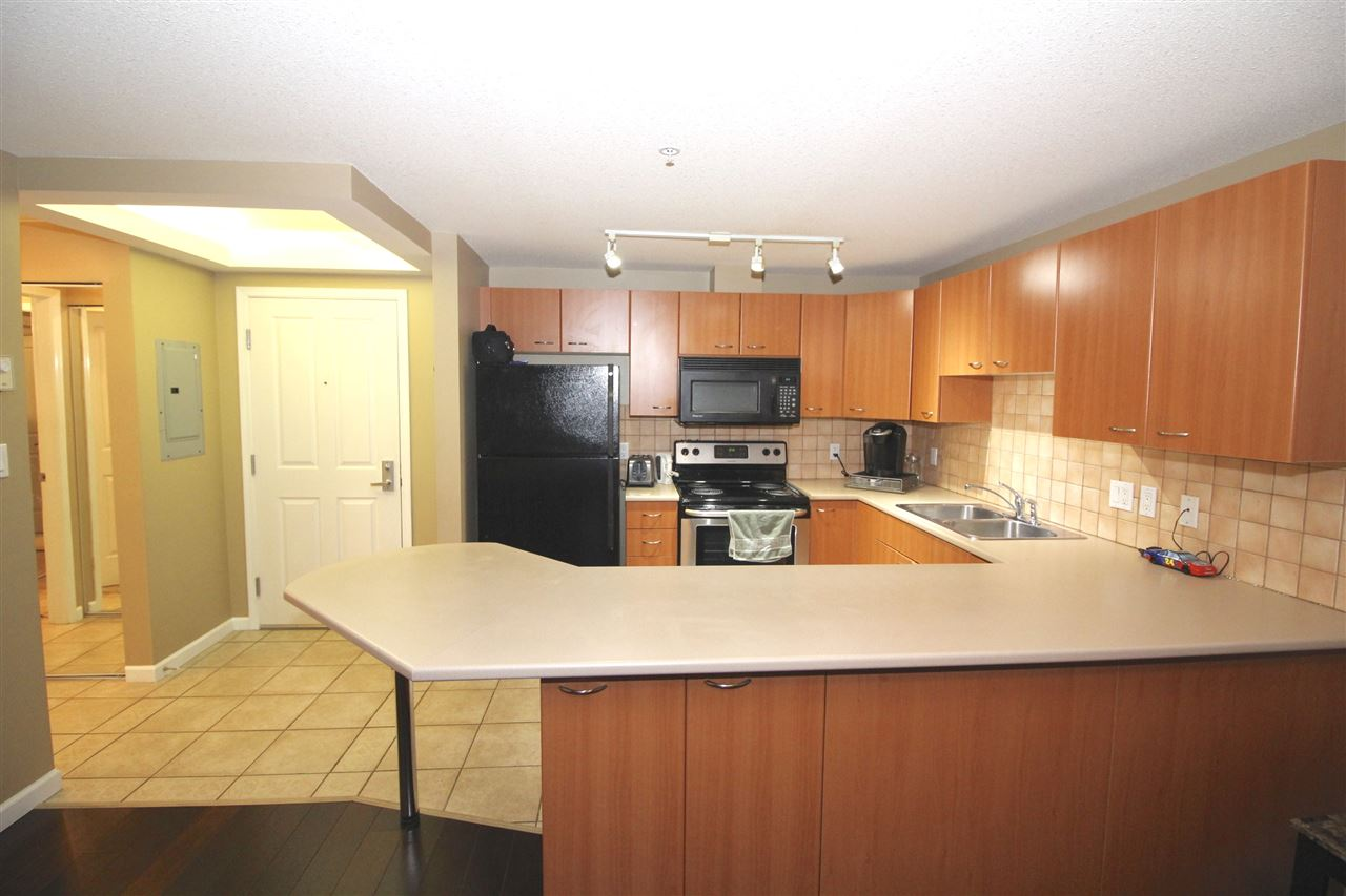 "Photo 6: A235 2099 LOUGHEED Highway in Port Coquitlam: Glenwood PQ Condo for sale in ""SHAUGHNESSY SQUARE"" : MLS® # R2173116"