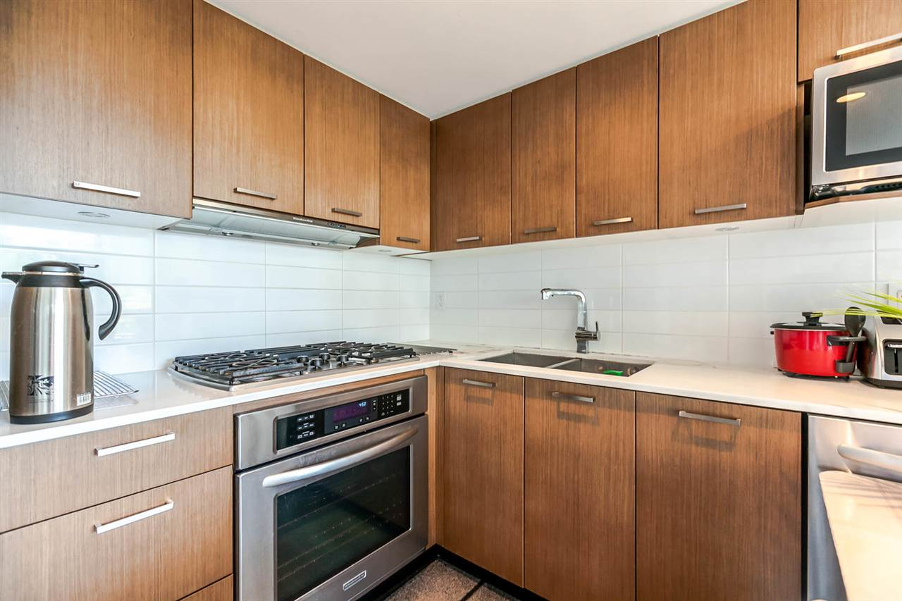 "Photo 7: 518 1372 SEYMOUR Street in Vancouver: Downtown VW Condo for sale in ""THE MARK"" (Vancouver West)  : MLS(r) # R2178065"