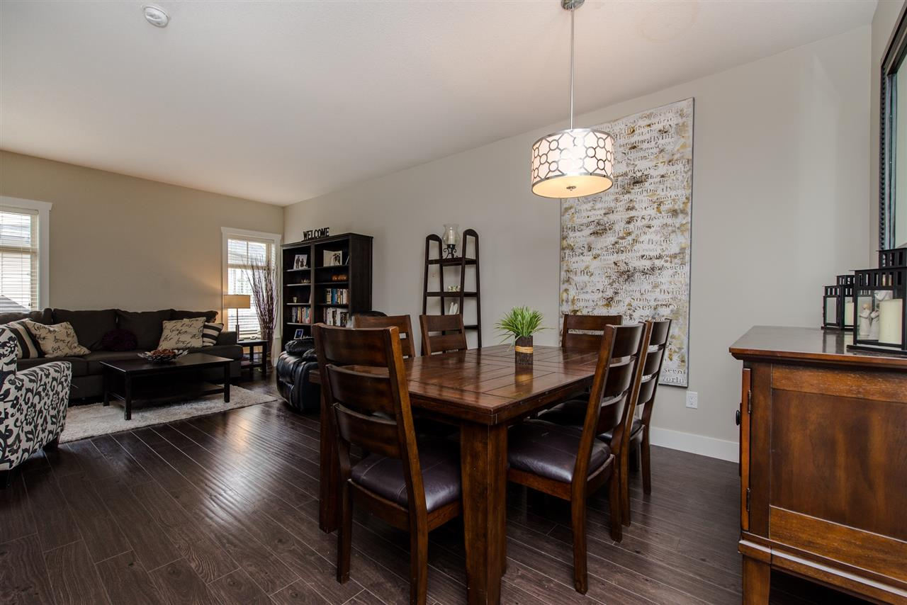 "Photo 3: Photos: 7 2950 LEFEUVRE Road in Abbotsford: Aberdeen Townhouse for sale in ""CEDAR LANDING"" : MLS® # R2212309"