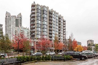 "Main Photo: 305 124 W 1ST Street in North Vancouver: Lower Lonsdale Condo for sale in ""THE Q"" : MLS® # R2215131"