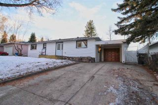 Main Photo: 990 COTTONWOOD Avenue: Sherwood Park House for sale : MLS® # E4091034