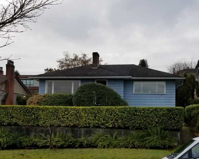"Main Photo: 3960 EDINBURGH Street in Burnaby: Vancouver Heights House for sale in ""Capital Hill"" (Burnaby North)  : MLS®# R2244620"