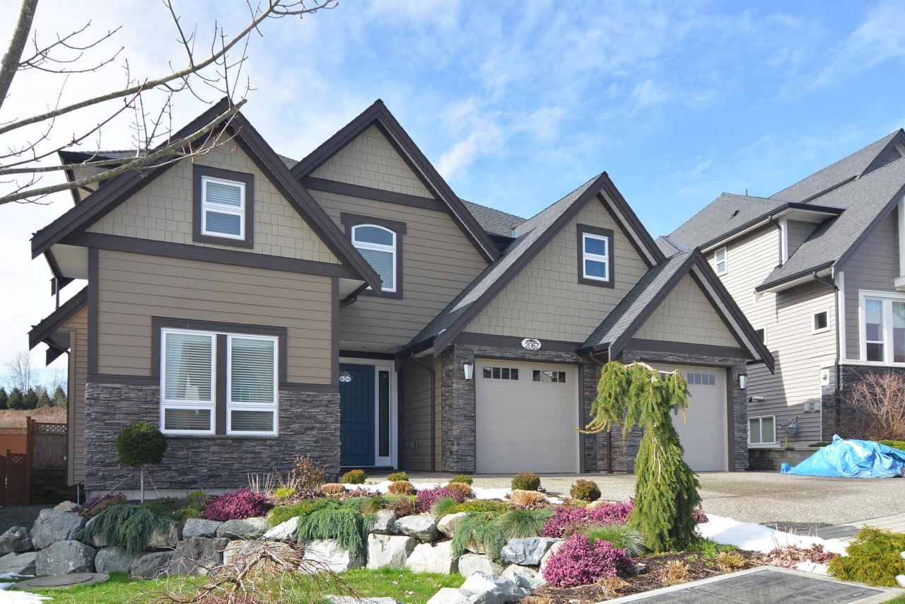 "Main Photo: 2067 RIESLING Drive in Abbotsford: Aberdeen House for sale in ""Pepinbrook"" : MLS® # R2245633"