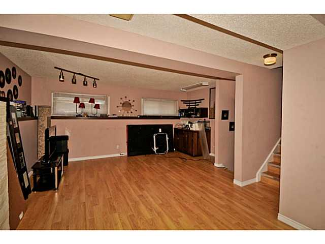 Photo 16: 4911 WHITEHORN Drive NE in CALGARY: Whitehorn Residential Detached Single Family for sale (Calgary)  : MLS® # C3604611