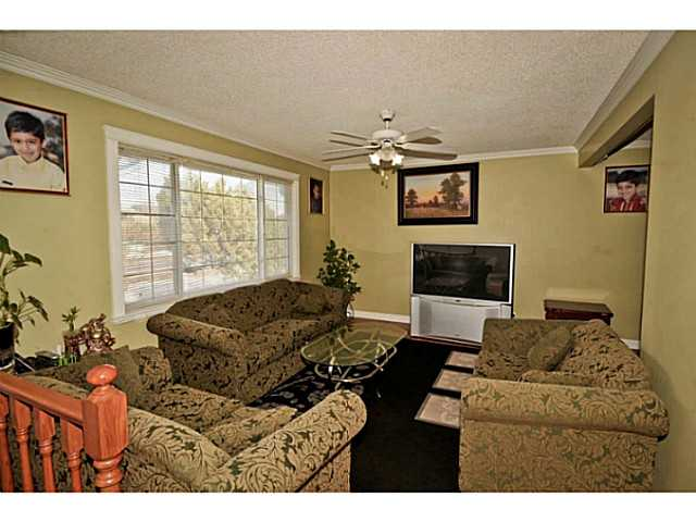 Photo 3: 4911 WHITEHORN Drive NE in CALGARY: Whitehorn Residential Detached Single Family for sale (Calgary)  : MLS® # C3604611
