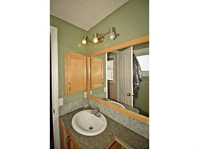 Photo 12: 4911 WHITEHORN Drive NE in CALGARY: Whitehorn Residential Detached Single Family for sale (Calgary)  : MLS® # C3604611