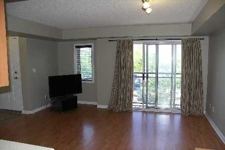 Main Photo: 26 4620 Guildwood Way in Mississauga: Hurontario Condo for lease : MLS® # W3194047