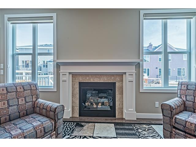 Mantle trimmed gas fireplace in Great room.