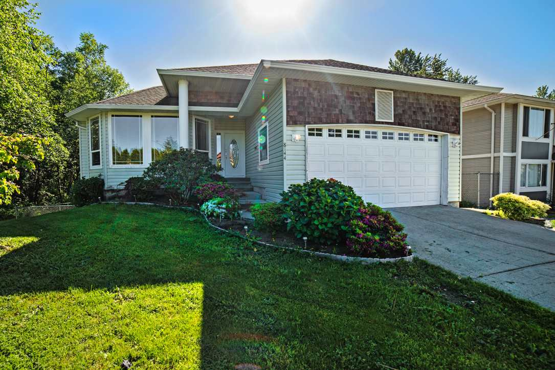"Main Photo: 8144 TOPPER Drive in Mission: Mission BC House for sale in ""College Heights"" : MLS®# R2065239"