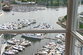 "Main Photo: 2205 1077 MARINASIDE Crescent in Vancouver: Yaletown Condo for sale in ""MARINASIDE RESORT"" (Vancouver West)  : MLS(r) # R2071821"