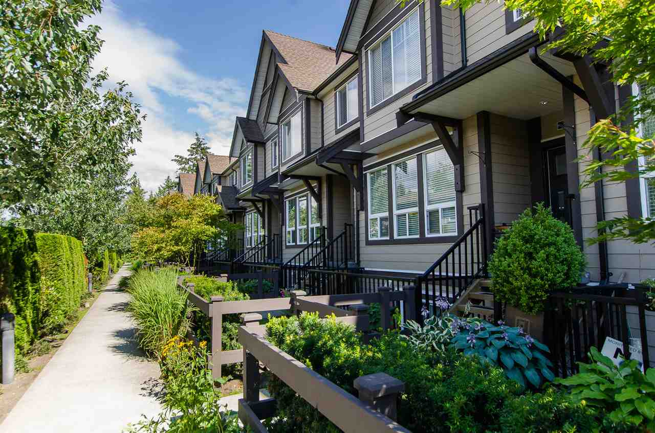 "Main Photo: 31 14877 60 Avenue in Surrey: Sullivan Station Townhouse for sale in ""LUMINA"" : MLS®# R2092864"