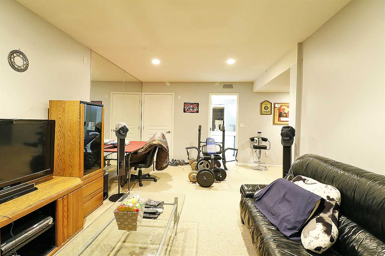 "Photo 15: 5 13918 58 Avenue in Surrey: Panorama Ridge Townhouse for sale in ""ALDER PARK"" : MLS® # R2155360"