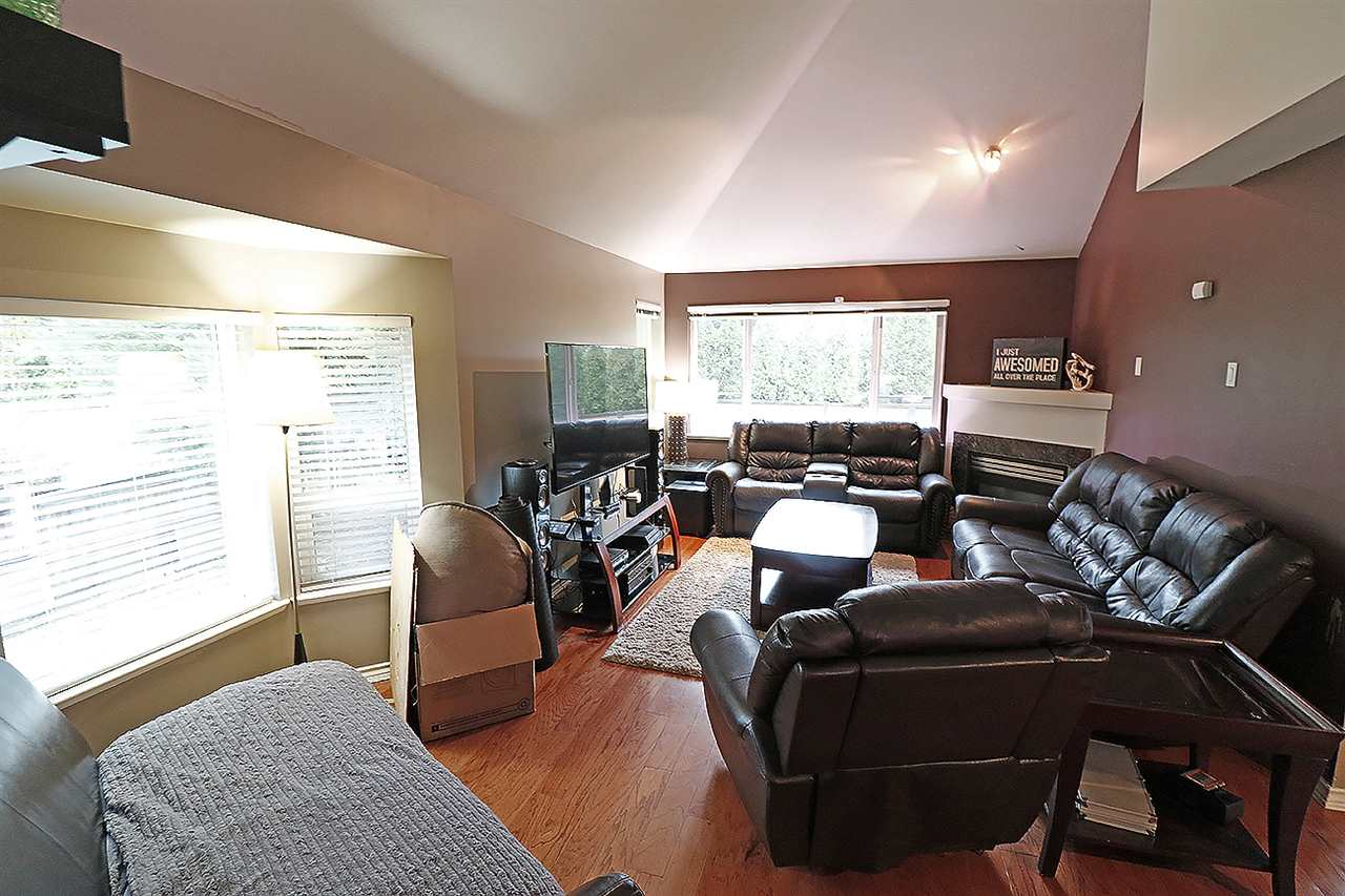 "Photo 2: 5 13918 58 Avenue in Surrey: Panorama Ridge Townhouse for sale in ""ALDER PARK"" : MLS® # R2155360"