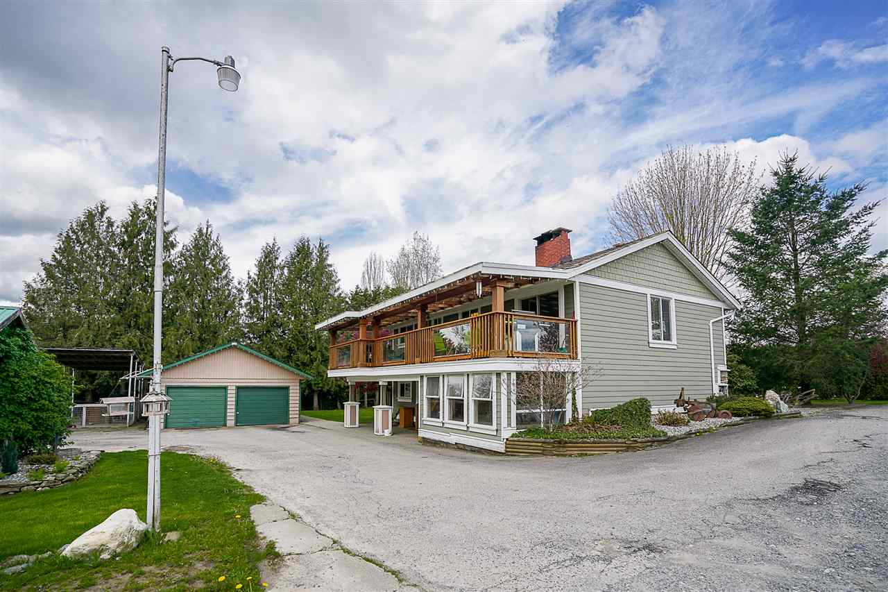 Photo 3: 27060 20 Avenue in Langley: Otter District House for sale : MLS(r) # R2158010