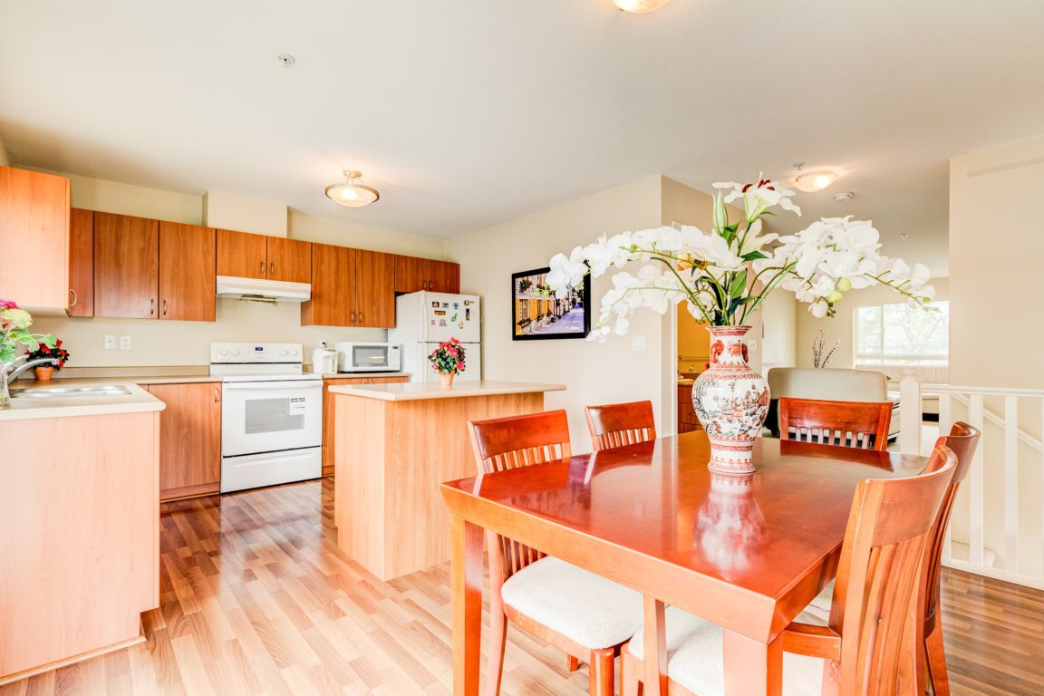 Photo 6: 6 5255 201A Street in Langley: Langley City Townhouse for sale : MLS® # R2160090
