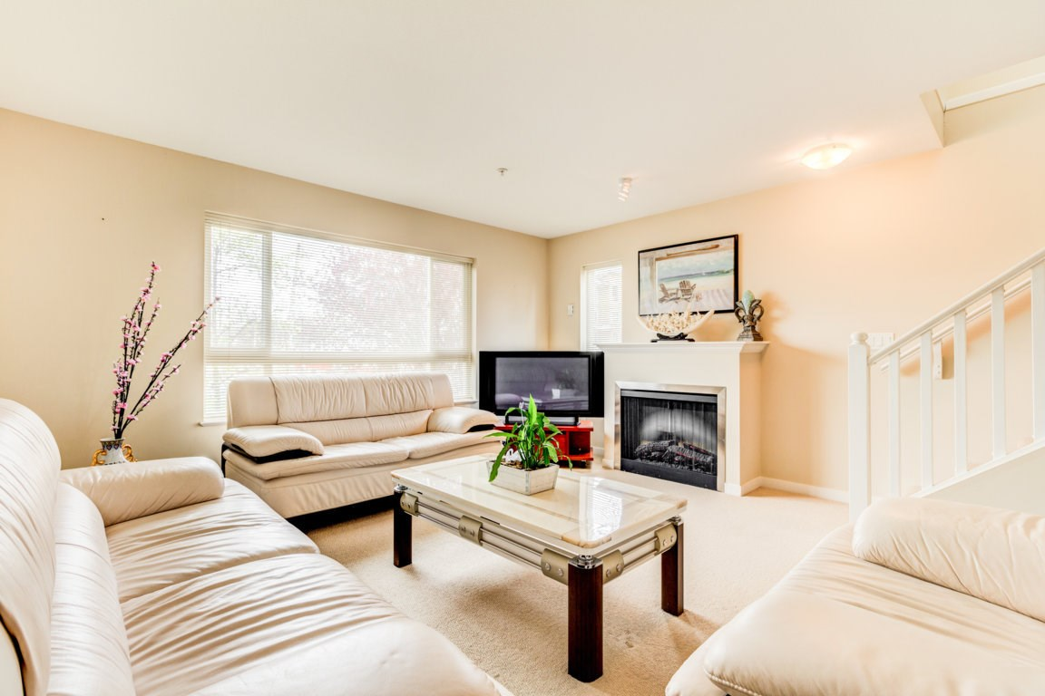 Photo 12: 6 5255 201A Street in Langley: Langley City Townhouse for sale : MLS® # R2160090